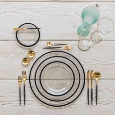 Starting this day off with our Halo Glass Chargers/Dinnerware in Black + Goa Flatware in Brushed 24k Gold/Black + Chloe 24k Gold Rimmed Stemware + Chloe 24k Gold Rimmed Goblet in Tiffany + 14k Gold Salt Cellars + Tiny Gold Spoons #cdpdesignpresentation #