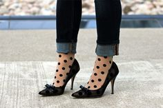 HUE polka dot tights in cream with skinny jeans and black heels #AlltheHUEs