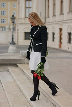 I'm really looking forward to one of the fashion trends black & white. Two simple, but powerful colors, which can be worn both elegant and very casual and stylish. - What do you think about this color pair? Color Pairing, Dress Me Up, Travel Style, Pretty Outfits, Romance, Black And White, Elegant, Chic, Stylish