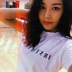 YUBIN T Shirts For Women, Tops, Fashion, Fashion Styles, Shell Tops, Fashion Illustrations, Trendy Fashion, Moda
