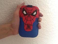 funda de móvil de Spiderman con goma eva/ Spiderman mobile case made with foam rubber