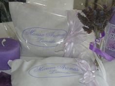 Almohadillas con flores de lavanda y lino y sus aceites esenciales para descansar y descontracturar