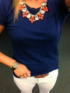 Love the dark blue color and I like it paired with this necklace