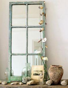 Recicla tus puertas o ventanas viejas y conviértelas en un lindo espejo