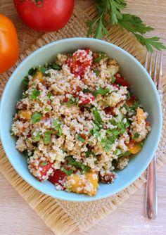 Szybka sałatka z kaszą kuskus - Odżywiaj się zdrowo Risotto, Food And Drink, Hummus, Rice, Ser Kozi, Ethnic Recipes, Fitness, Diet, Essen
