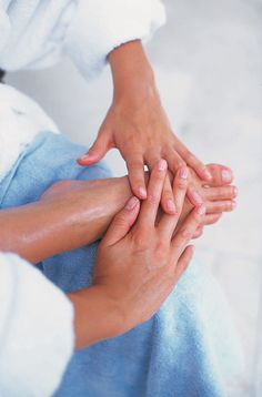 5 exercices simples de massage des pieds pour une séquence détoxifiante