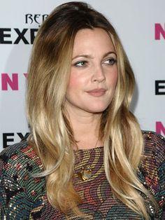 Drew Barrymore Hairstyles - Pictures of Drew Barrymore's Hair - Cosmopolitan