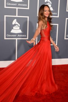 When Rihanna glided along the red carpet. | The 16 Greatest Diva Moments At The Grammys