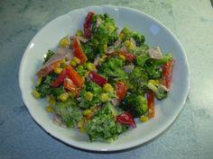 Brokkolie- Paprika-Salat