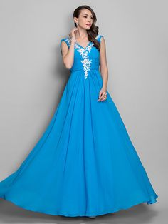 TS Couture® Prom / Formal Evening / Military Ball Dress - Elegant Plus Size / Petite A-line / Princess V-neck Floor-length Chiffon withAppliques / - USD $99.99