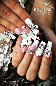 White nails ☺️