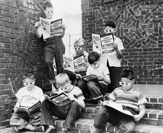 """Post with 7583 views. Kids reading """"Mighty Mouse"""", the first comic book, 1953 - People Reading, Kids Reading, Reading Time, Reading Books, Old Pictures, Old Photos, Vintage Photographs, Vintage Photos, Mighty Mouse"""