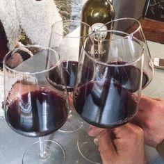 Un botella pa 4 la medida justa  #health #healthy #healthyfood #food #foods #foodie #foodpic #instafood #instagram #yum #yummy #tasty #vicocinillas #home #family #drink #drinks #drinking #wine #lugo #lugomola #lugocalidade #galicia #galiciacalidade #galiciamola by vicocinillas