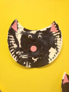 """cat craft for preschoolers--Read """"If You Give a Cat a Cupcake"""" by Laura Numeroff."""
