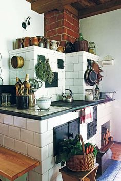 Making Your Dream Home a Reality Rustic Kitchen Design, Best Kitchen Designs, French Interior Design, Period Living, Antique Stove, Old Kitchen, Country Kitchen, Cozy House, Apartment Living
