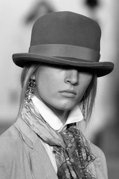 f0b36da3f3aaa The 83 best WoMan In That HaT images on Pinterest