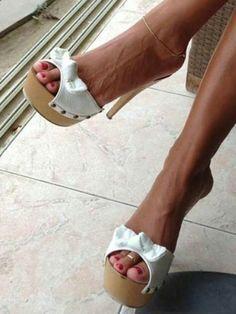 Sexy Legs And Heels, Hot High Heels, Platform High Heels, High Heel Boots, Platform Mules, Nylons Heels, Stiletto Heels, Sexy Sandals, Beautiful Toes