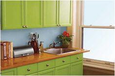 Küchenrenovierung Küchenschränke streichen grün