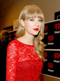 Taylor Swift Photos Photos - Singer Taylor Swift appears backstage during the 2012 iHeartRadio Music Festival at the MGM Grand Garden Arena on September 22, 2012 in Las Vegas, Nevada. - 2012 iHeartRadio Music Festival - Day 2 - Backstage