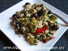 Tofu strapazzatto con cime di rapa.  aglio, cime di rapa, curcuma, lievito alimentare in scaglie, olive, paprika, piccante, ricette vegan, Secondi, strapazzate, tofu,