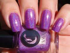 Sparkly Vernis: Cirque Xochitl is a gorgeous pinky purple holographic with pink shimmer