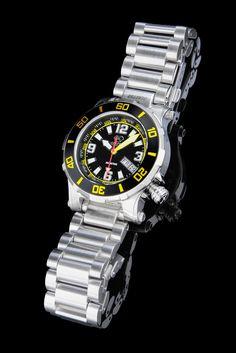 d00c18b3 Reactor 45007 Atlas Black - Yellow . Dial 200M WR Stainless Steel Bracelet  Watch 41mm. JV