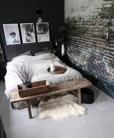The post Schwarz, Steinwand und Bank. appeared first on Pin Store. Modern Industrial Decor, Industrial Bedroom Design, Bedroom Designs, Home Bedroom, Bedroom Ideas, Master Bedroom, Modern Bedroom, Bedroom Small, Bedroom Inspo
