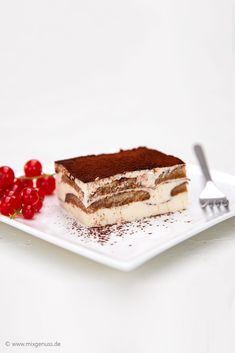 Tiramisu-Cheesecake – MixGenuss Blog Tiramisu Cheesecake, Thermomix Desserts, No Bake Cake, Bakery, Eat, Ethnic Recipes, Food, Baking Cakes, Sally