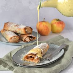 Home - Laura's Bakery Apple Recipes, Baking Recipes, Cake Recipes, Dessert Recipes, How To Cook Pancakes, Puff Pastry Recipes, Pastry Cake, Baked Apples, No Bake Cake