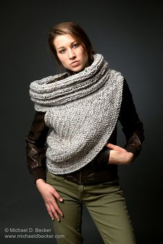 Katniss Inspired Cowl Knitting Pattern : 1000+ images about Katniss cowl on Pinterest Cowls, Catching fire and Capit...