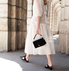 A Feminine Tomboy Feminine Tomboy, Trendy Fashion, Fashion Trends, Summer Looks, Black Patent Leather, Midi Skirt, Spring Summer, Street Style, Bride