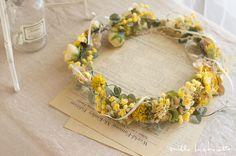 アンティークナチュラル イエローミモザ クリップコサージュ花冠 (5パーツ) | Online store – ミルラシュエット