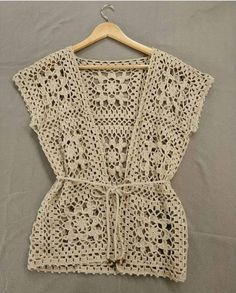 Fabulous Crochet a Little Black Crochet Dress Ideas. Georgeous Crochet a Little Black Crochet Dress Ideas. Pull Crochet, Gilet Crochet, Crochet Vest Pattern, Crochet Shirt, Crochet Jacket, Crochet Cardigan, Knit Crochet, Crochet Patterns, Crochet Stitch