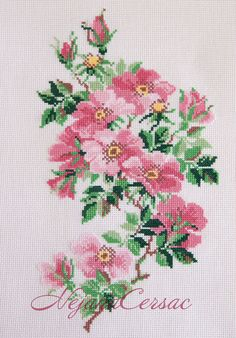 Roses, this would be lovely on a table Runner. Cross Stitch Designs, Cross Stitch Patterns, Cross Stitch Needles, Rose Bouquet, Small Flowers, Amazing Flowers, Needlepoint, Needlework, Weaving
