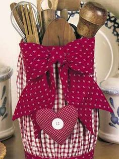 Country Craft Ideas | Craft ideas for kitchen decorating with fabrics