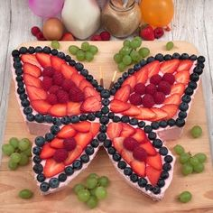 Chefs, Mini Quiches, Butterfly Cakes, Strawberry Sauce, Time To Eat, Chocolate Orange, Food To Make, Cake Recipes, Yummy Food