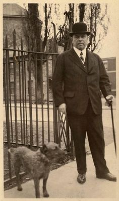 Prime Minister of Canada, William Lyon MacKenzie King with his faithful companion Pat. King was born in Berlin, renamed Kitchener after outbreak of Native Canadian, I Am Canadian, Canadian History, All About Canada, Old Time Photos, Dead Dog, Dog Died, Irish Terrier, O Canada