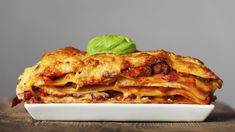 Recetas: Cómo hacer la lasaña perfecta según la Biblia de la cocina italiana. Noticias de Alma, Corazón, Vida. La Lasagne alla bolognese es un plato tan exquisito como fácil de preparar una vez que cogemos el truco al proceso