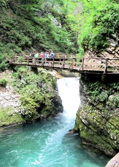 Travel Diaries Vintgar Gorge, Slovenia's Own Middle Earth Europa Tour, Places To Travel, Places To Visit, Explore Dream Discover, Holiday Places, Countries To Visit, What A Wonderful World, Travel Goals, Wonders Of The World
