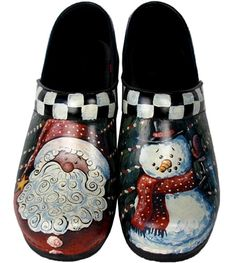 hand painted clogs by Swanx. Decorative Painting Projects, Tole Painting Patterns, Hand Painted Shoes, Painted Closet, Painted Toms, Arte Country, Pintura Country, French Country Christmas, Christmas Love