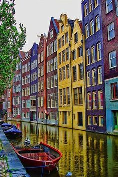 Most Pinned Travel Destinations of 2017 | Travel Bucket List | Best Travel Destinations | Amsterdam, Netherlands