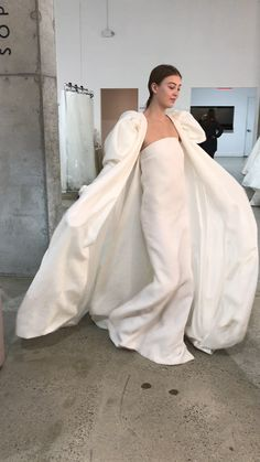 Minimal Wedding Dress, Plain Wedding Dress, Simple Wedding Gowns, Classic Wedding Gowns, Wedding Dresses With Straps, Bridal Dresses, New York Wedding Dresses, Stylish Dresses, Fashion Dresses