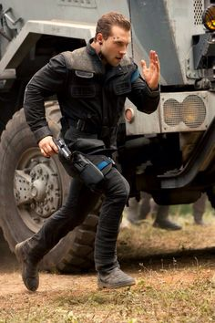 I hate Eric, but I think everybody loves his robotic running in Insurgent.