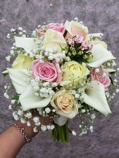 Bruidsboeket pastel Floral Wreath, Wreaths, Table Decorations, Home Decor, Flower Crowns, Door Wreaths, Deco Mesh Wreaths, Interior Design, Home Interior Design