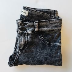 🎉HP🎉✨NWOT   Denimocracy   Acid Wash Jegging 😎 New Without Tag 💐  Bought and Never Worn 💐  Denimocracy black, white & gray skinny jegging in size S. Acid Wash Jean ✓ Extremely soft and stretchy.  ✓ Knit acid wash black and white  ✓ Overall effect is dark gray ✓ 95% Cotton, 5% Spandex.  ✓ 7 inch rise, 27 inch inseam, 13inch waist.    ⇸ m y  c l o s e t ⇷ ✓ i accept all reasonable offers  ✓ make me an offer ♥ × no trade × no paypal Denimocracy Jeans Skinny