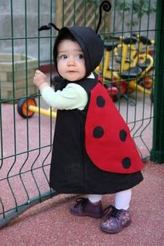 Costume Halloween, Costume Carnaval, Cat Costumes, Vintage Costumes, Doll Fancy Dress Costume, Toddler Ladybug Costume, Costume Coccinelle, Funky Hats, Halloween Disfraces