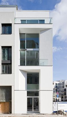 """""""Townhouse O15"""" at Friedrichswerder in Berlin by Nalbach + Nalbach Architects, photo © Nalbach + Nalbach"""