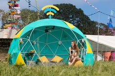 EE has created the world's first 4G-connected smart tent offering one lucky Glastonbury-goer the ultimate connected camping experience Inspired by Smart Home technology and suggestions from festival fans, the 4GEE Smart Tent features a bespoke mini fridge that tweets when stocks are running low, an entertainment centre that live streams selec... #CampingTents-AHomeFromHome