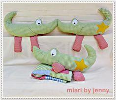 miari Fabric Animals, Crochet Animals, Animal Projects, Animal Crafts, Operation Shoebox, Sewing Dolls, Felt Dolls, Doll Crafts, Stuffed Toys Patterns