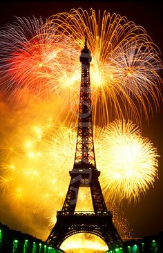 Fireworks at the Eiffle Tower